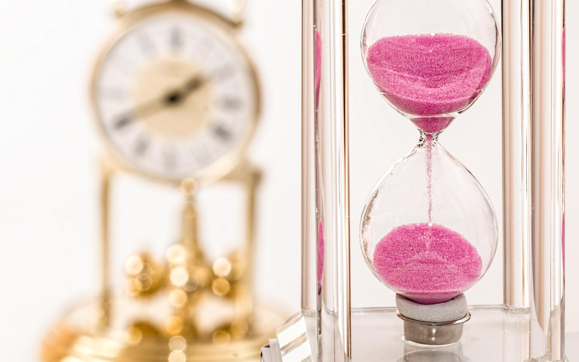 Image credit: https://pixabay.com/en/hourglass-clock-time-deadline-hour-1703330/